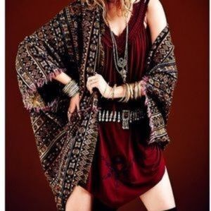 Free people Feathers Tolani wrap
